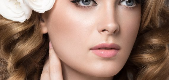 Brautstyling & Make-up